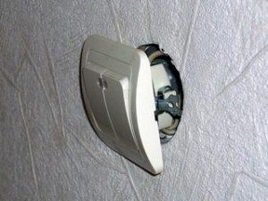 замена розетки или выключателя